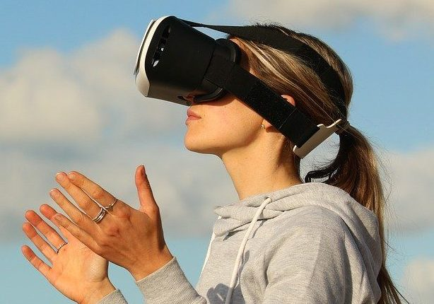 augmented_reality_trends_2019_VR