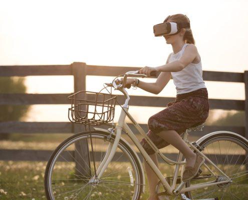 AR und VR Trends 2019 -VR Brille auf Fahrrad