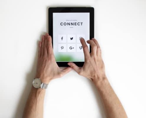 Online-Präsenz: Website und Social Media